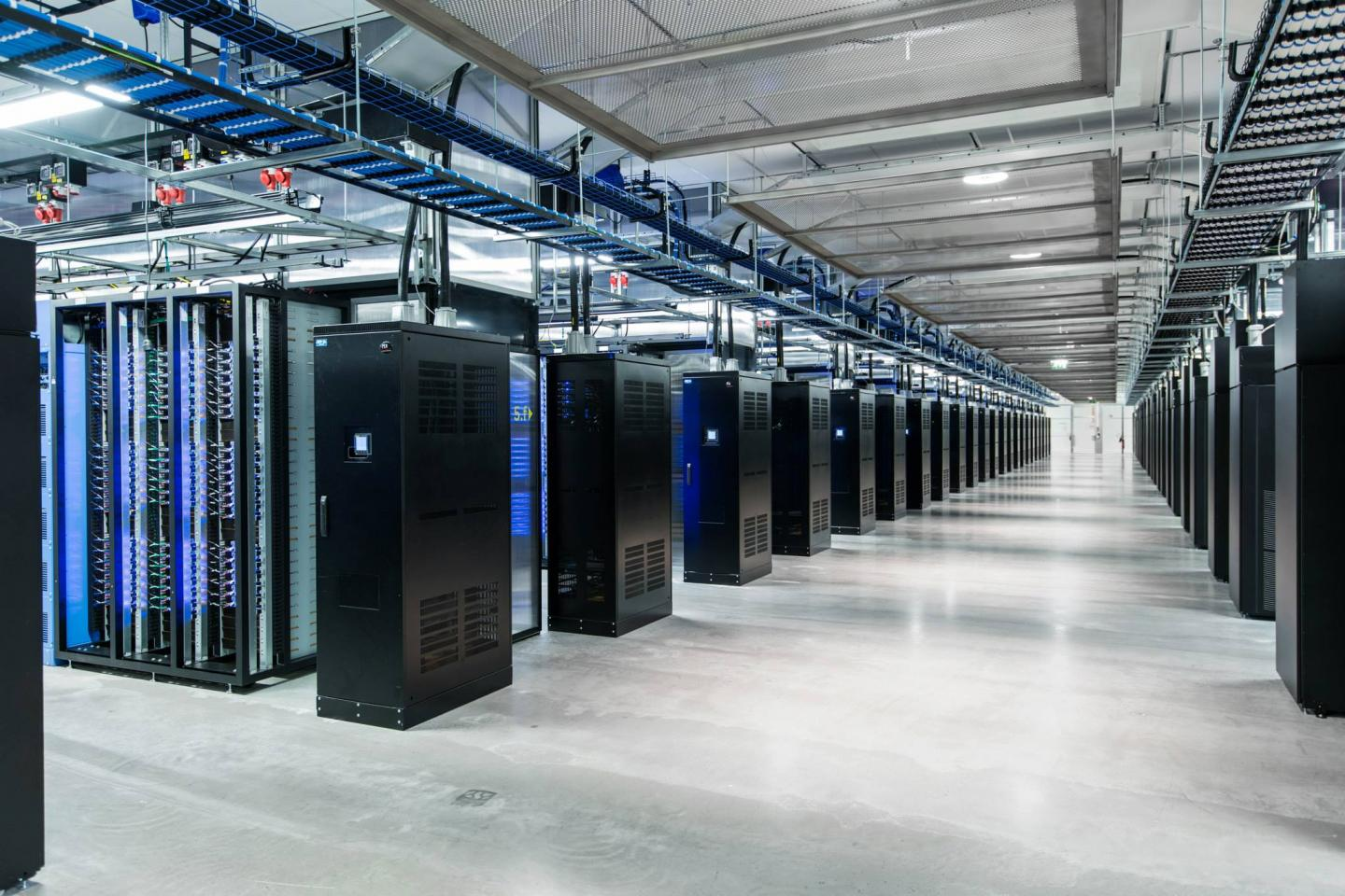 Data center microclimate
